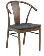 Skandinaavinen tuoli Janik tummanruskeana